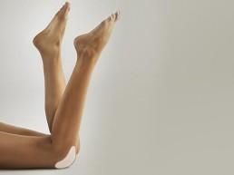 Schöne Haut am Knie Hautstraffung